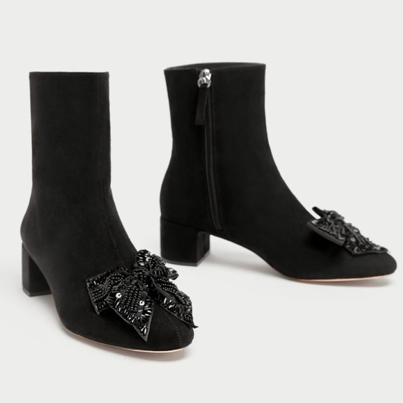 b51f2d60ae59 ZARA Black ankle boots with beaded bow